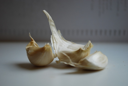 garlic cloves.jpg