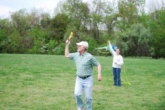 dad with kite 3