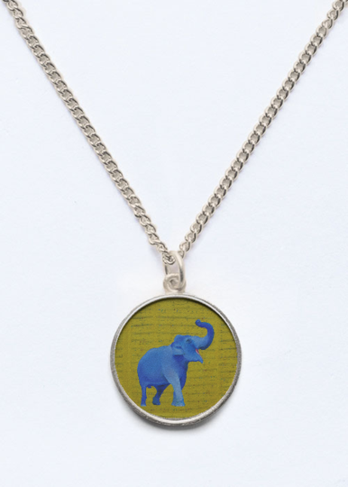 happy elephant pendant.png